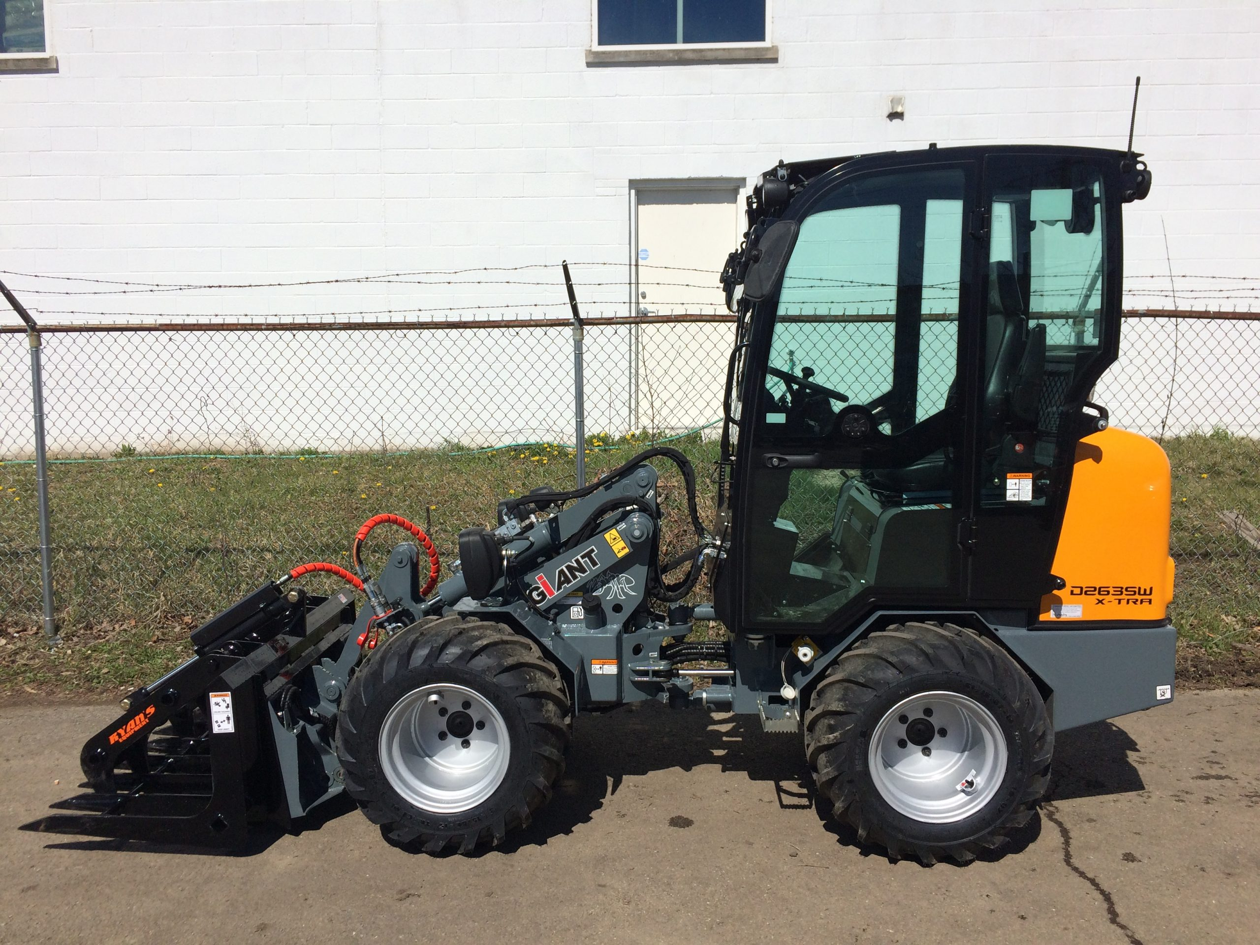 Giant D263SW X-TRA Compact Wheel Loader